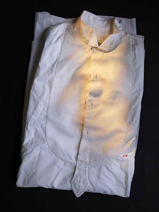 2-RISD_Museum-ArtistRebelDandy-Oscar_Wilde_shirt