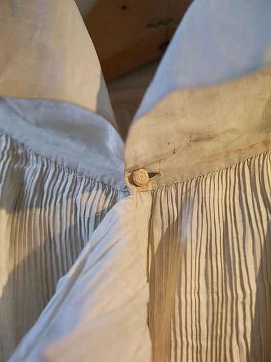 4-RISD_Museum-ArtistRebelDandy-linen_shirt_ruffle