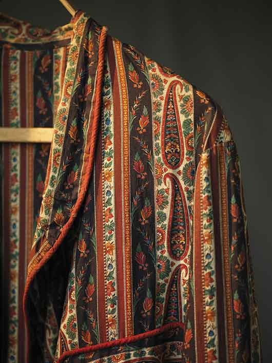 6-RISD_Museum-ArtistRebelDandy-William_Trost_Richards-dressing_gown