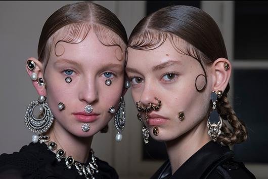Givenchy-backstage-beauty-1