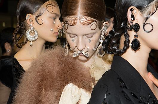 Givenchy-backstage-beauty-2